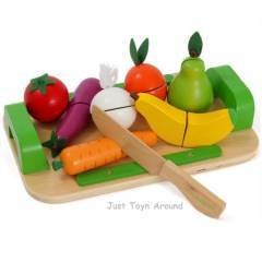 Discoveroo Wooden Fruits and Vegetable Cutting Set